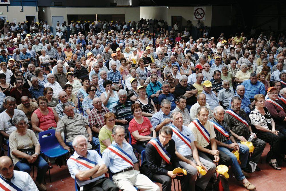 2500 agriculteurs manifestent en dordogne